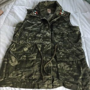 Army fatigue Vest with rhinestone